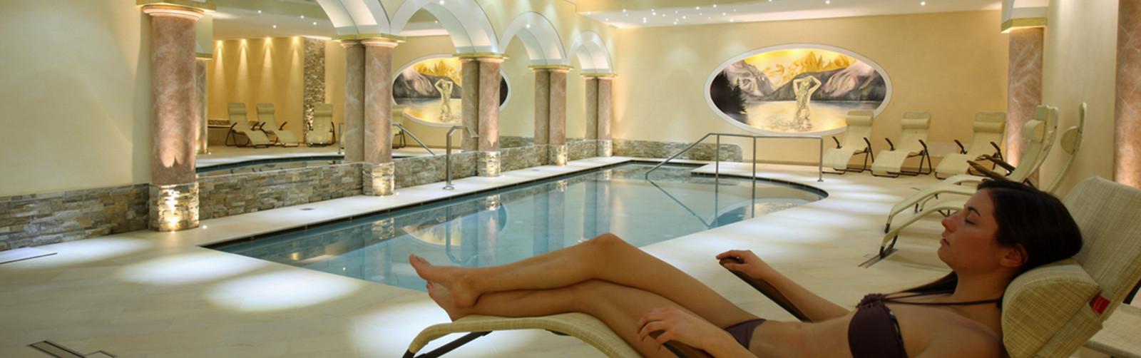 Hotel con piscina e centro benessere ad andalo hotel gruppo brenta - Hotel maranza con piscina coperta ...